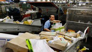 中共任毒品湧入美國郵政 川普促參院立法打擊