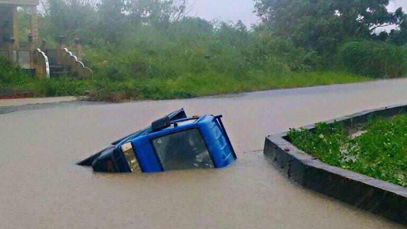致灾性暴雨袭击南台湾 嘉义鹿草达820毫米 已知1死11伤