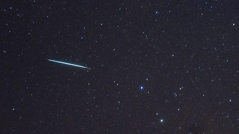 比罗马竞技场还大 时速5万公里小行星掠地球