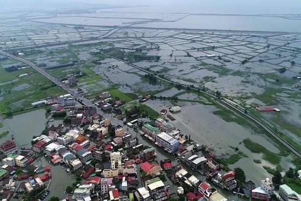强降雨影响 嘉义沿岸4乡镇淹水未消退
