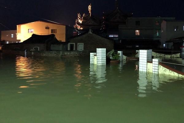 西南气流挟丰沛水汽 未来四天恐轰炸南台湾