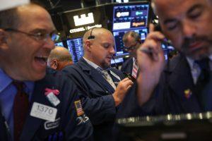 美墨贸易协定强激股市 纳斯达克史上首超8000