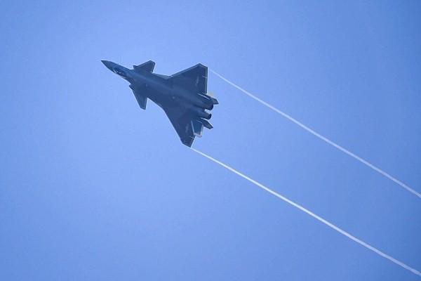 """美媒:中共""""拿来""""的空军技术 存在一致命缺陷"""