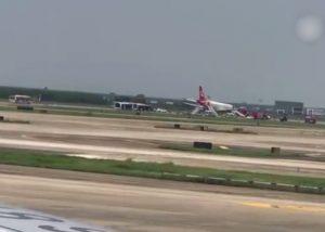 北京一航班引擎着火 急降深圳5人傷(視頻)