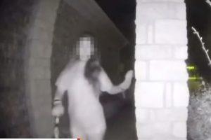 德州戴手銬神秘女子 午夜敲民宅嚇壞住戶