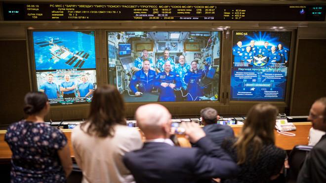 国际太空站现裂缝漏气 太空人手堵洞贴胶带抢修