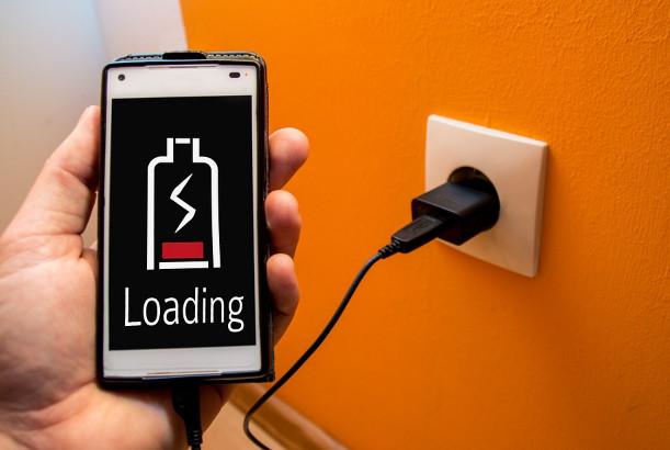 你還在充錯電嗎 7個手機充電常識告訴你(視頻)