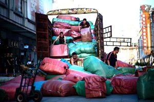 即踩油門又踩剎車?日媒:貿易戰使中國經濟陷窘境