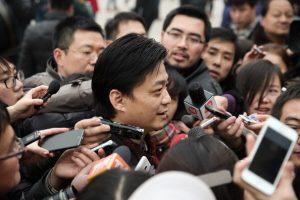 崔永元炮轟中共兩家媒體:道個歉能死?
