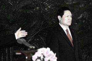 """周永康暗助黑老大火拼 将对手""""灭门"""" 细节曝光"""