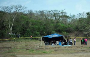 墨国毒枭争斗 骇人乱葬岗惊现166具遗体