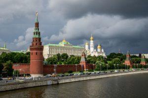 大陸客再次震動俄羅斯  在克里姆林宮小便眾人側目