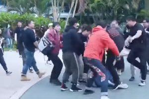 大陆剧组人员在澳洲殴打粉丝 5人当场被抓(视频)