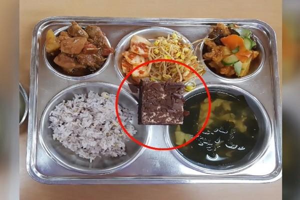 巧克力蛋糕惹祸 韩全国性学生食物中毒