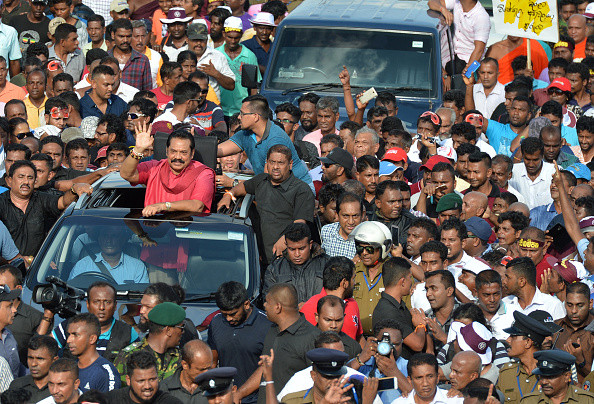 抗議中共一帶一路 斯里蘭卡原總統率數萬人遊行