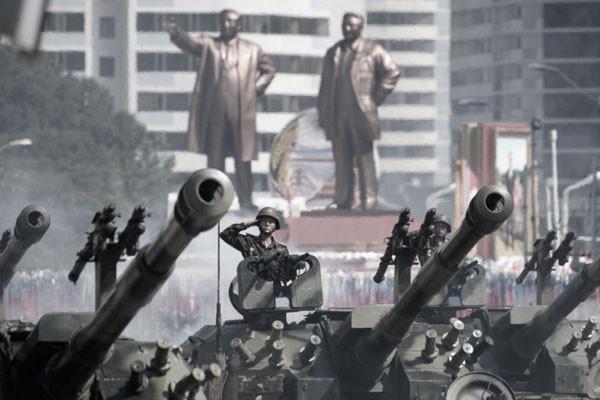 朝鮮建政70周年大閱兵 洲際導彈罕見消失