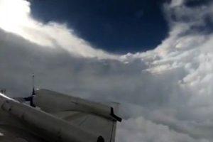 「颶風獵人」飛入拍颶風眼 網友:很美但很恐怖
