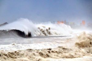 台风山竹逼近深圳 全市停工停业进入防御状态
