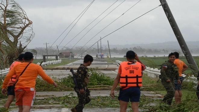 山竹引山泥傾瀉 菲國已知4死 減弱再重組逼近珠江口