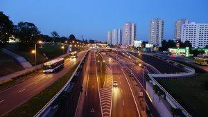 黑夜无路灯 汽车为何能在高速公路疾驶?