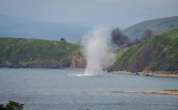浙江老闆帶員工去看海  結果一群人被海浪捲走
