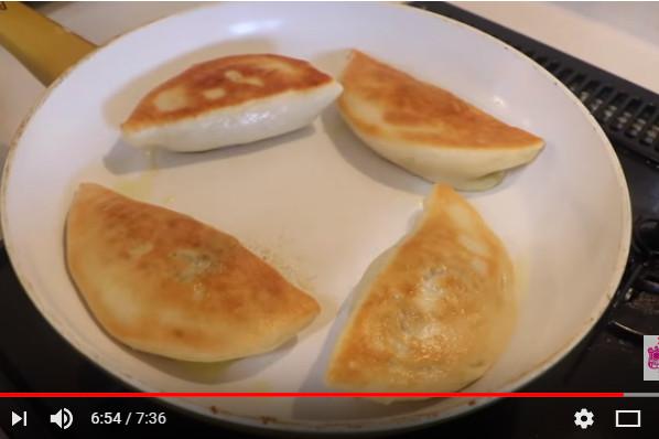 韭菜盒子 皮薄餡靚好美味(視頻)