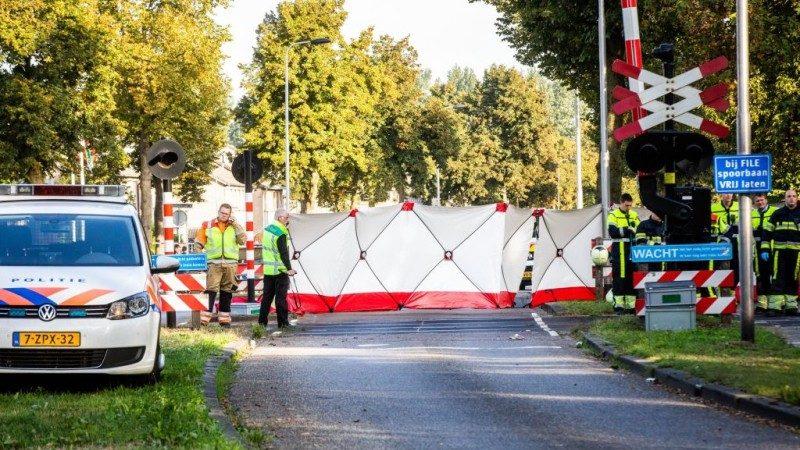 父母噩夢 荷蘭推車遭列車撞擊4幼童喪生