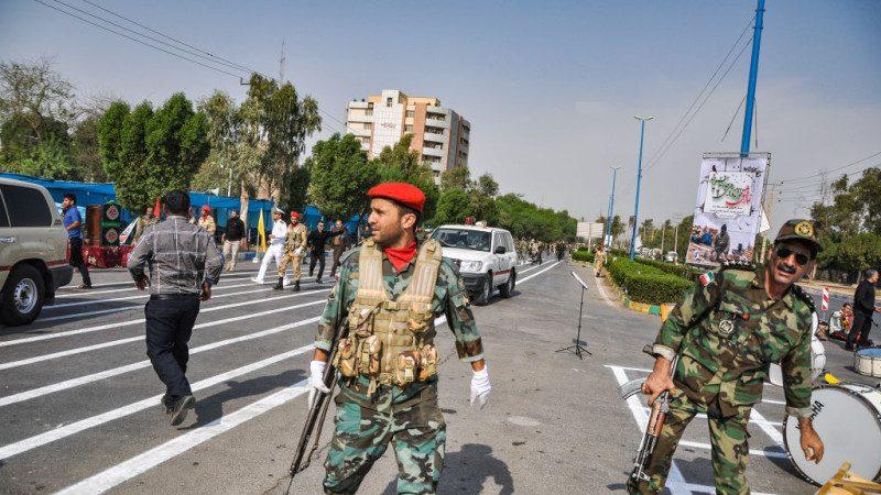 伊朗閱兵爆發攻撃 槍手掃射至少10死21傷