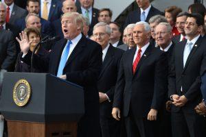 民调:共和党支持率超民主党 7年来最高