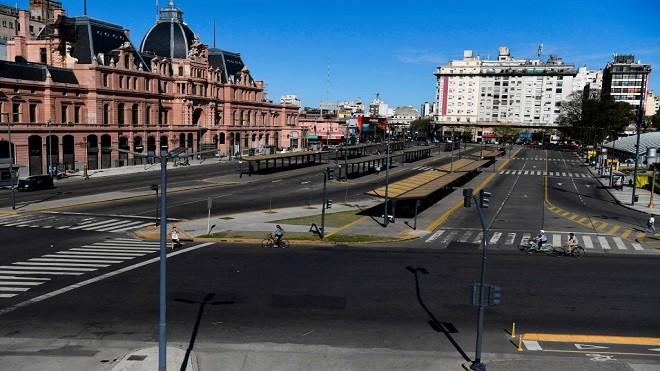 阿根廷大罢工全国陷瘫痪 央行总裁闪辞汇率重贬