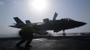 美军隐形战机F-35B首度实战 指挥官:任务成功(视频)