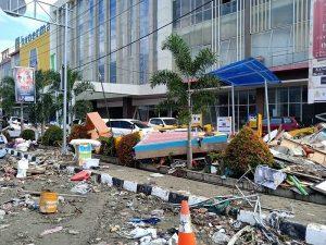 海嘯來臨生死一瞬間 台商員工見海邊沒水急撤