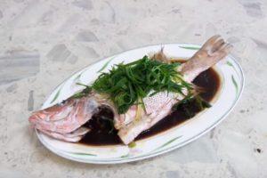 清蒸魚(紅魚) 家庭簡單做法(視頻)