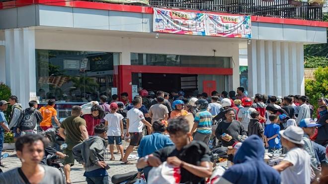 印尼重灾区爆抢掠潮 监狱倒塌1200囚犯逃走