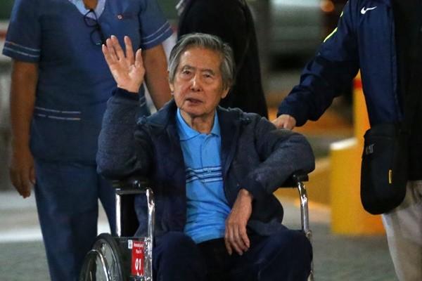 撤销特赦 秘鲁法院下令逮捕前总统藤森