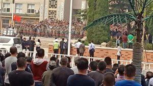 愈千老兵与鲁警对峙  当局调重兵放催泪弹驱散(视频)