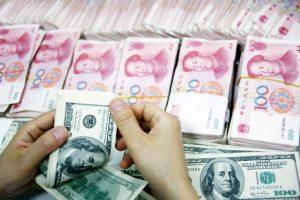 """人民币亚洲表现最差 中国恐被列入""""汇率操控国"""""""