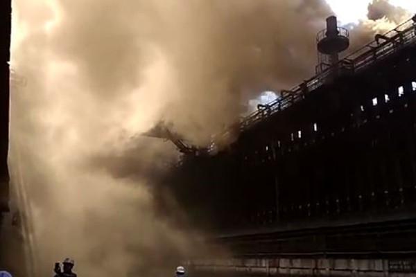 印度钢铁厂煤气管道爆炸 已知9死14伤