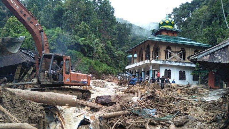 印尼天災不斷 山洪暴發沖走12名學童釀22人身亡