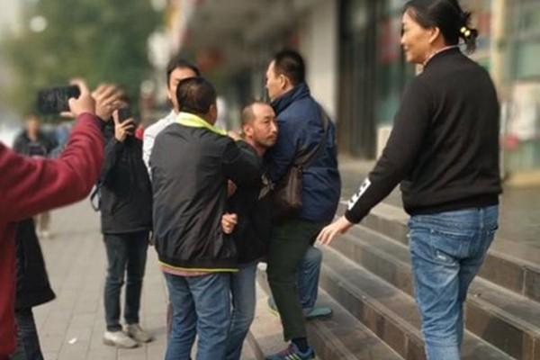 """广州女律师遭警""""裸检""""案  3证人被拘"""