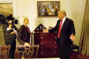 穿越时空画作网络爆红 川普与前任总统谈笑风生