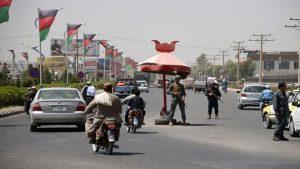 阿富汗省长保镳攻击 警察首长罹难 美指挥官逃生