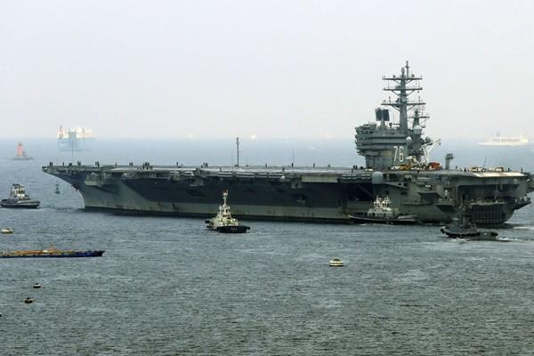 巡航菲律賓海  美航母直升機墜甲板數人受傷