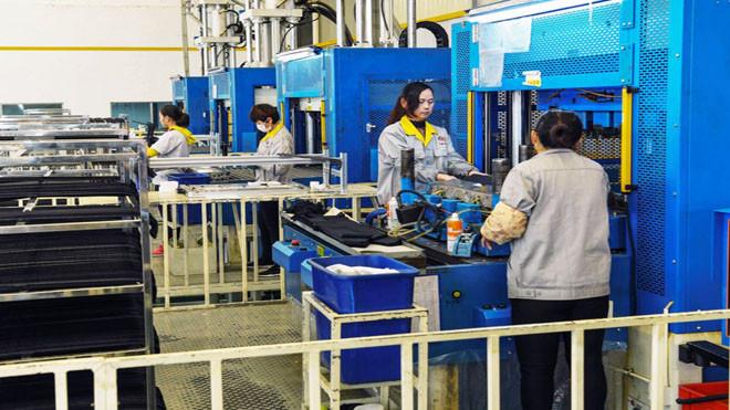北京罕見透露貿戰影響:企業停產 工人失業