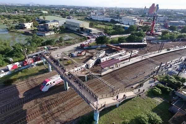 普悠瑪列車翻車事故 台鐵:西線恢復單線雙向行車