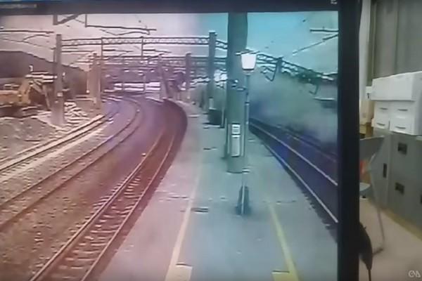 台鐵列車翻車事故 影片曝光:嘎嘎怪聲爆火花(視頻)