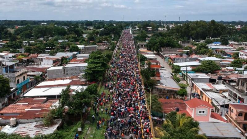 7000移民越過墨南邊界 川普籲選民勿支持民主黨