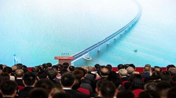 """港珠澳大桥是""""豆腐渣""""?九年建造丑闻不绝"""
