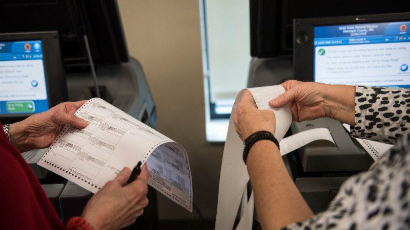 民主黨狂爭中期選舉 數州允許非公民投票