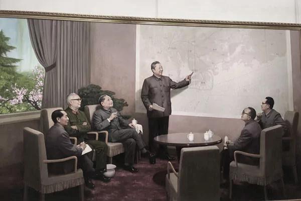 习近平赴改革开放40年展 参观争议作品《早春》
